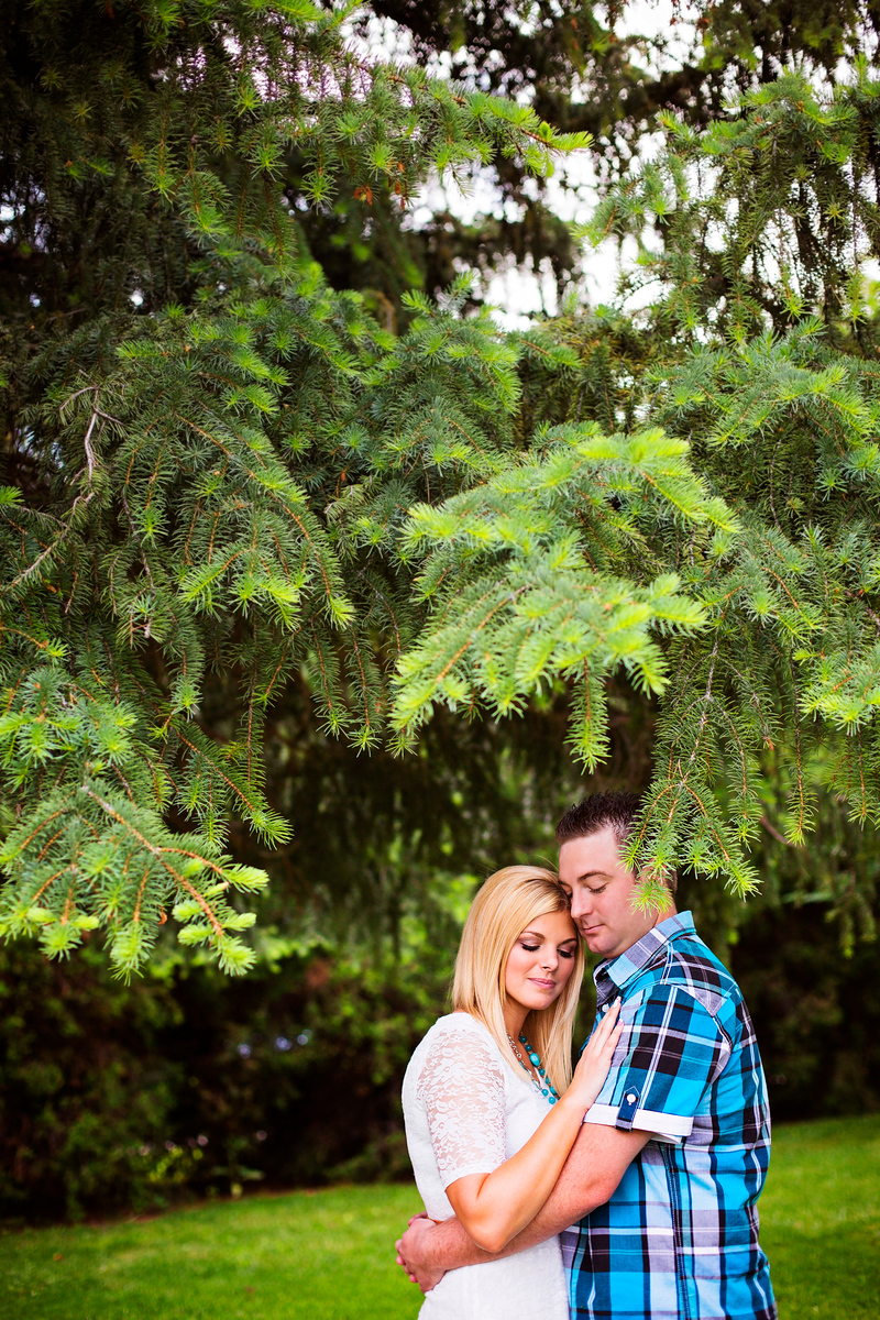 best north carolina engagement photographers, north carolina wedding photographers, nc weddings, Durham photography, effervescent media works, nc wedding photographers, rebecca mabey